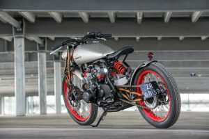 Suzuki gs550 cafe racer / boardtracker